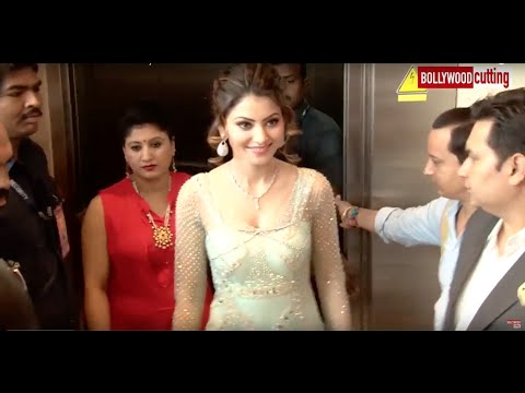 UNCUT - Urvashi Rautela with her Mom At Glamour 2016 Jewellery Exhibation