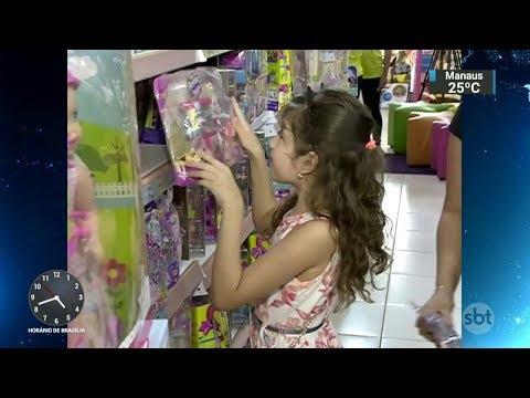 Pesquisar os preços ajuda a economizar na hora de comprar presentes | SBT Notícias (11/10/17)
