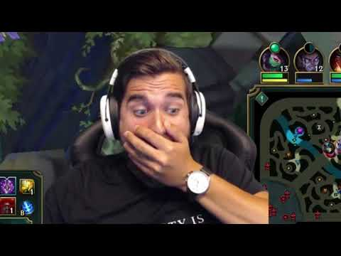 Here's How You Don't Gank at League of Legends... | Funny LoL Series #615