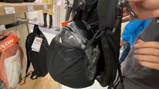 ヘルメットが付けられる。二宮の理想のバックパックixon v-carrier25 モトスタイルで明日も開催イクソン販促イベント