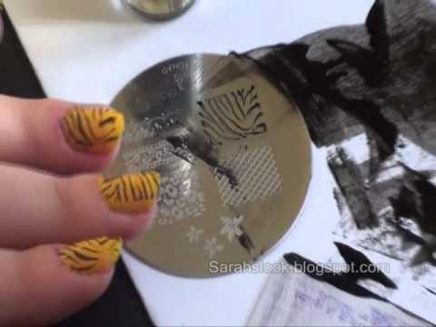 Stamping nails c mo hacer dibujos en las u as youtube for Como pintarse las unas con dibujos