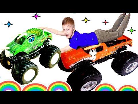 Monster Trucks Pretend Play Hide And Seek! Монстр Траки Hot Wheels играют в Прятки на МОРЕ!