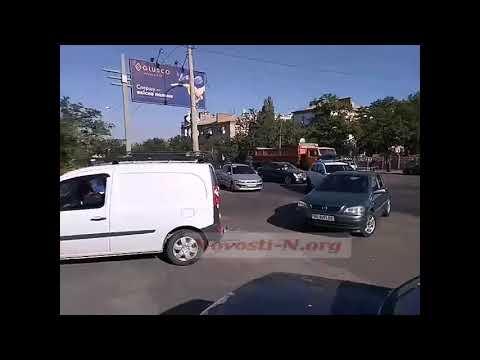 Новости-N: Работники «Степового» перекрыли Варварвский мост