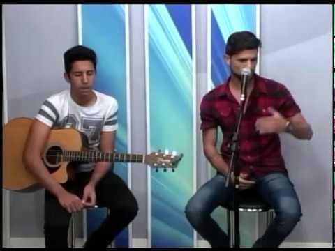 Raffa gulart  canta sucessos  ao vivo no programa Edição Regional