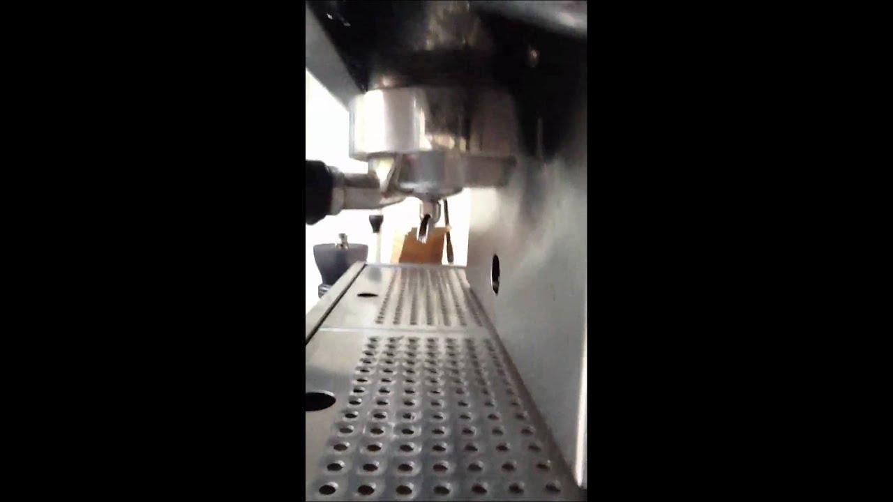 stovetop espresso maker with crema