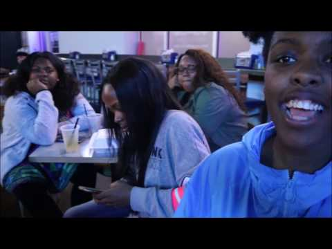 It's Karaoke NIGHT | Black History Month Day 9 | College Vlog