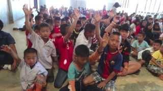 Publication Date: 2013-12-19 | Video Title: 扶輪社捐贈飲水機給泰北培英中學