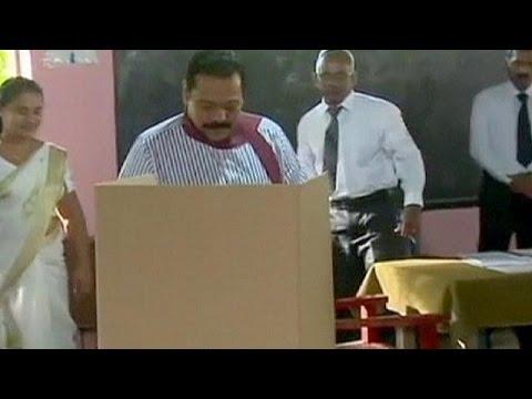 Election présidentielle au Sri Lanka : le président sortant, Mahinda Rajapakse, reconnaît sa défaite