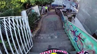 Insane Urban DH Mountain Bike POV - Red Bull Valparaiso Cerro Abajo 2015(Check out the new GoPro channel on Red Bull TV: http://win.gs/GoProChannel Once again, the hills of Valparaiso tested the gnarliest urban DH mountain bikers ..., 2015-03-09T20:30:00.000Z)