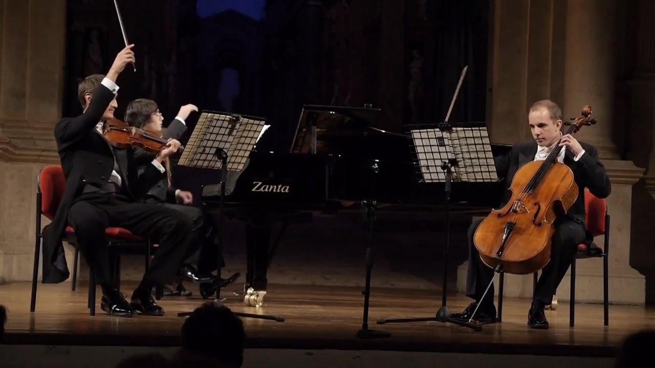 Beethoven - Trio Op.1 N. 1 (Live) Trio Casa Bernardini