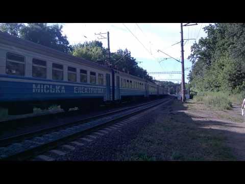 Regionale in partenza dalla stazione di Sirets (Kiev) in data 17-06-2015