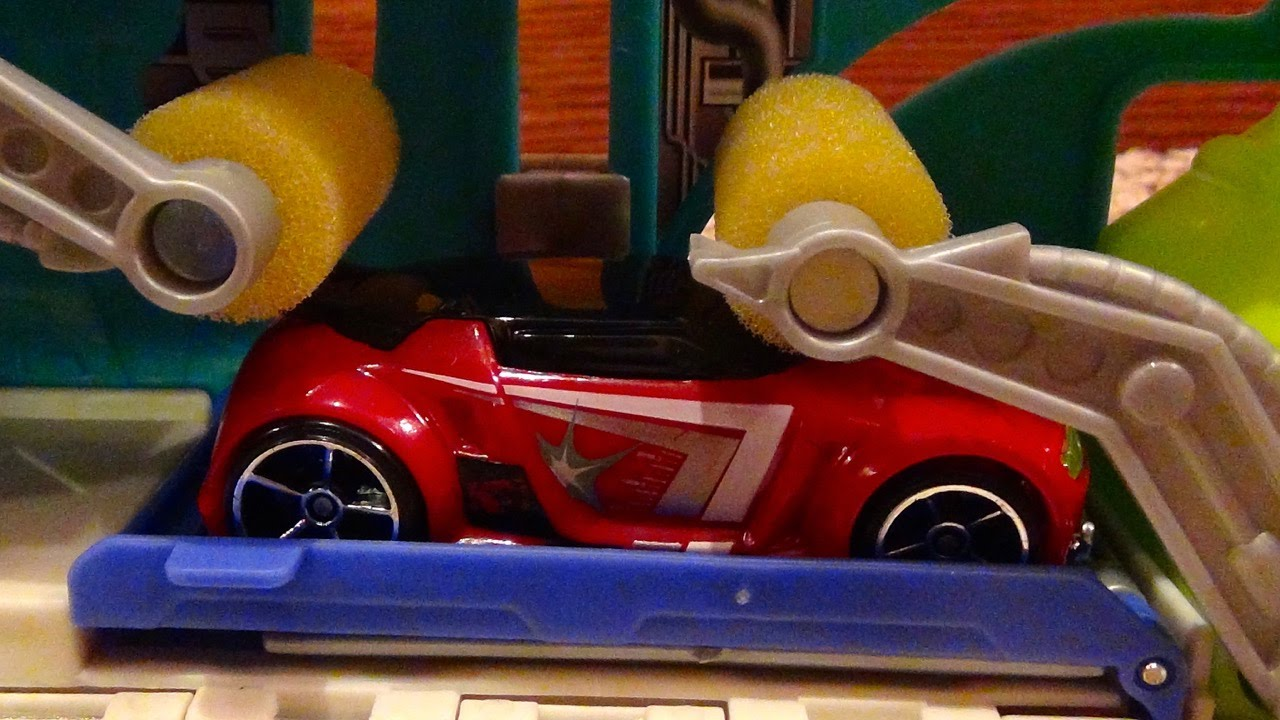 hot wheels turbo wash mini car wash playset connects with track system youtube. Black Bedroom Furniture Sets. Home Design Ideas