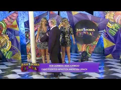bastidores do carnaval Andressa Urach e Babi Rossi s o hipnotizadas no programa 01 03 2014 mircmirc