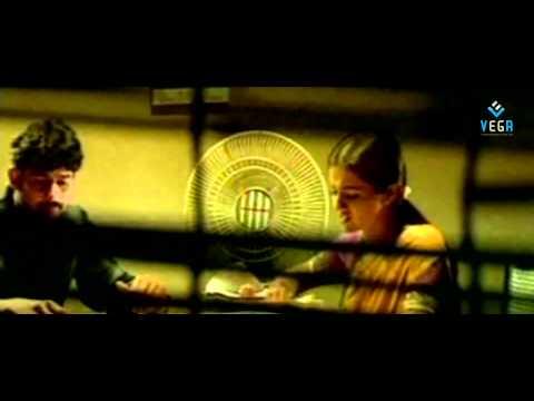 Varsham - Trisha Kissing Prabhas