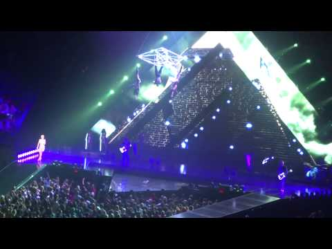 """Katy Perry: """"E.T."""" @ MGM Grand Garden Arena in Las Vegas, Nevada on September 26, 2014"""