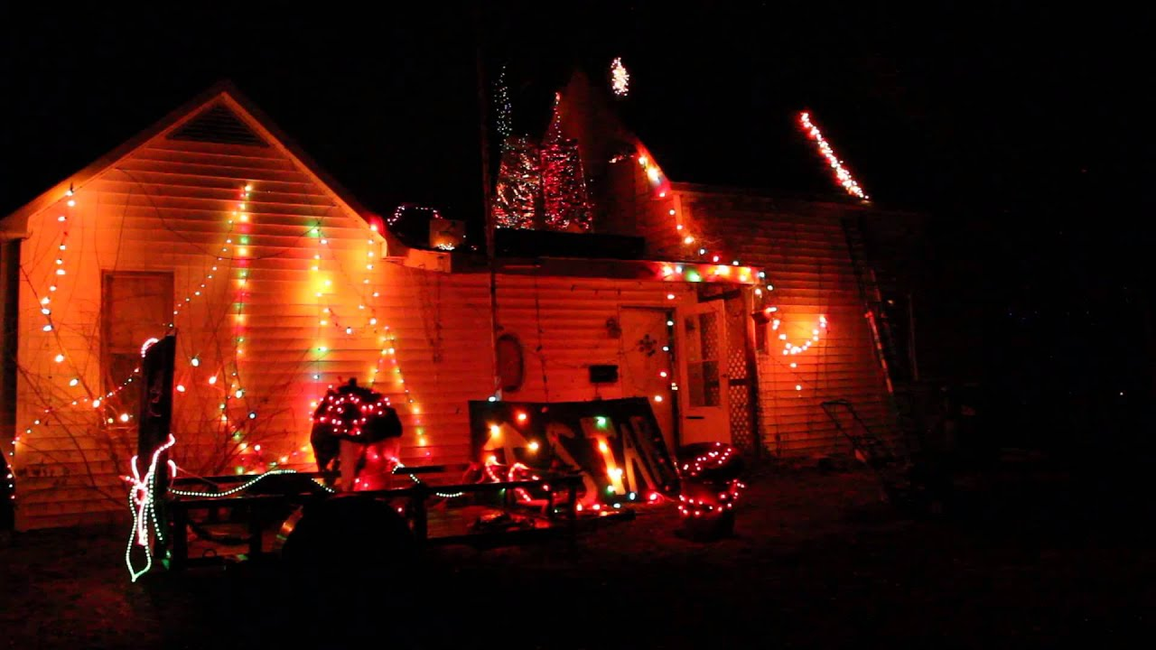 28 best bad christmas lights 20 worst christmas light for Bad christmas decoration