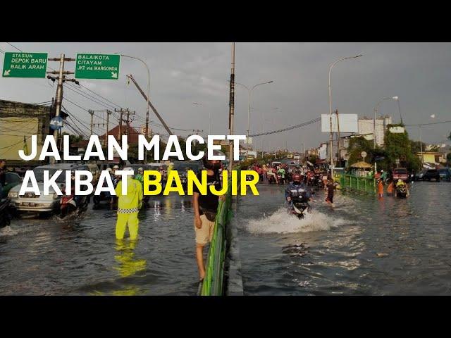 Jalan Arif Rahman Hakim Depok Macet akibat Banjir, Diduga Sampah dan Kabel Listrik Jadi Penyebabnya