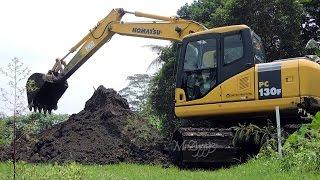Swamp Excavator Digging Pond Komatsu PC130F 7