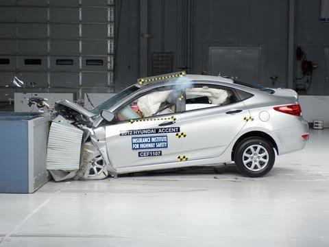 2012 Hyundai Accent moderate overlap test