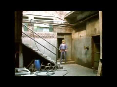 La Demolición - De Marcelo Mangone (2005)