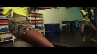Ommy Dimpoz Ft Vanessa Mdee - Me N You [ Video Rasmi ]