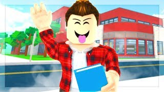 Roblox High School - MY FIRST DAY OF SCHOOL! GETTING IN TROUBLE!! (Roblox Roleplay)