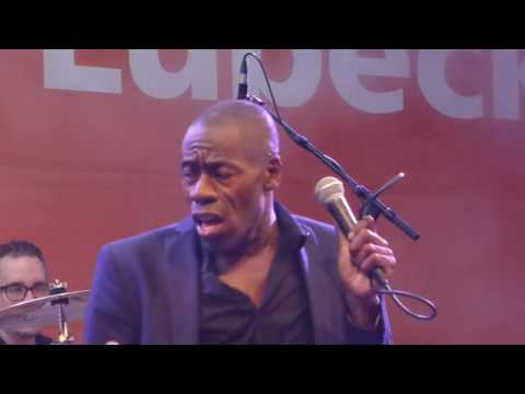 Roachford - Over my sholder/Cuddly Toy - Travemünder Woche - 27.07.2016