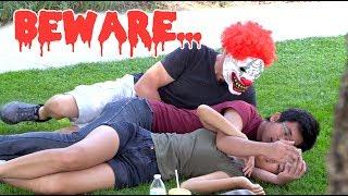 Halloween Clown Mask Scare Prank;)