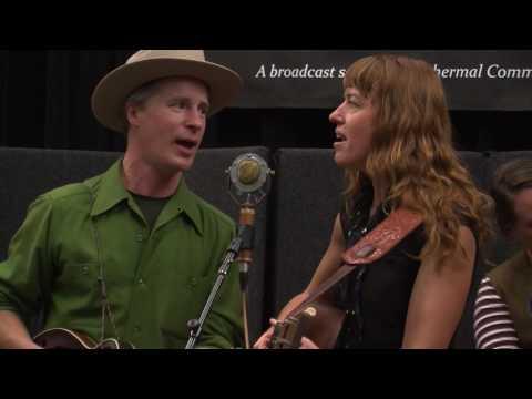 Foghorn Stringband - 'Lonesome Homesick Blues'