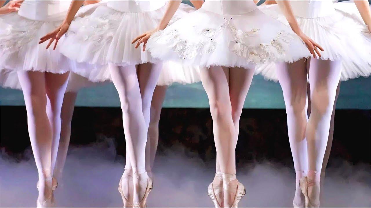 芭蕾女孩沉迷天鹅湖,身体长出黑色羽毛,奥斯卡封后《黑天鹅》