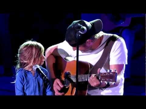 Dierks Bentley I M Thinking Of You With Daughter Evie