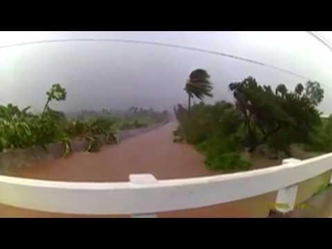 Typhoon Sarika lashes Philippines