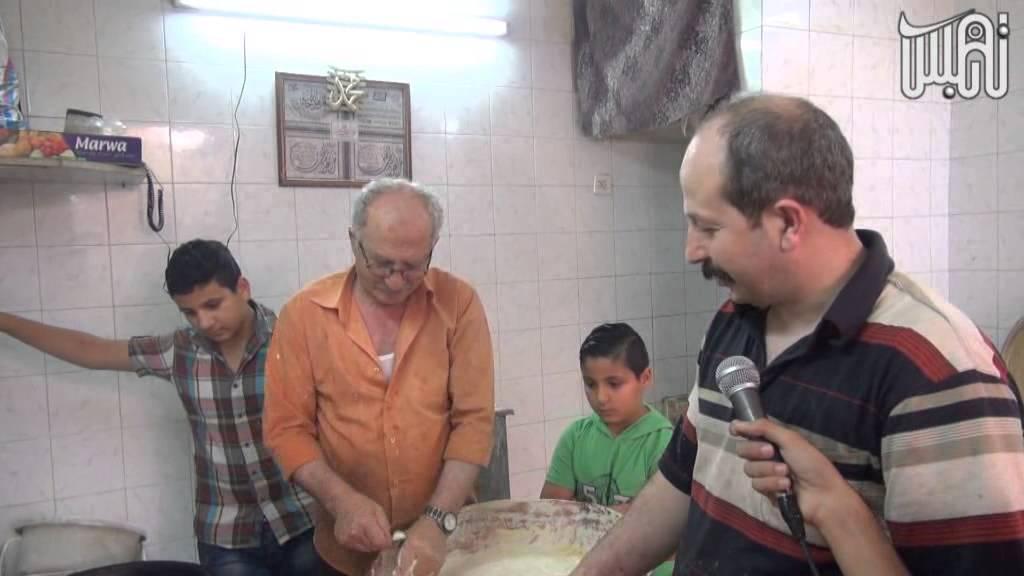 العوامة طقس من طقوس الحلويات في رمضان بمدينة نابلس