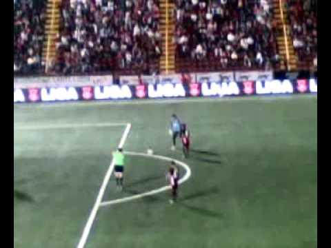 Gol Alfonso Quesada a la UCR