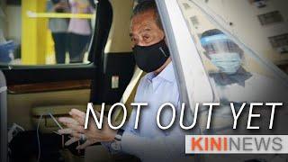 #KiniNews: Muhyiddin fights back, claims he still possesses majority