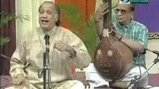 pArvatipatim praNaumi satatam - hamsadhwani - Vocal - Trichur V. Ramachandran