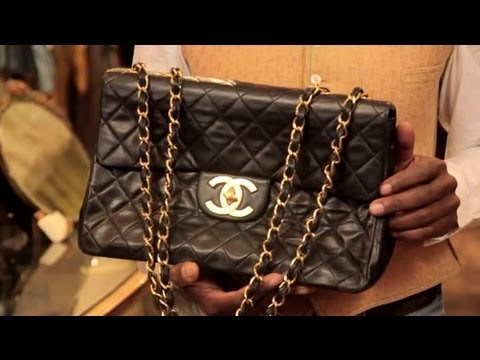af094be1f Characteristics of Very Old, Vintage Chanel Bags : Vintage Fashion & Style