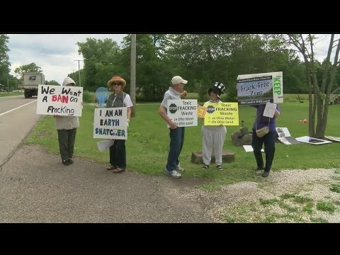 Environmentalists hold Toxic Tea Party to protest fracking