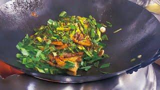 【ガリハラ】にんにくホイコーロウ炒麺(大蒜回鍋肉炒麺)Ultra Chinese Garlic Noodles