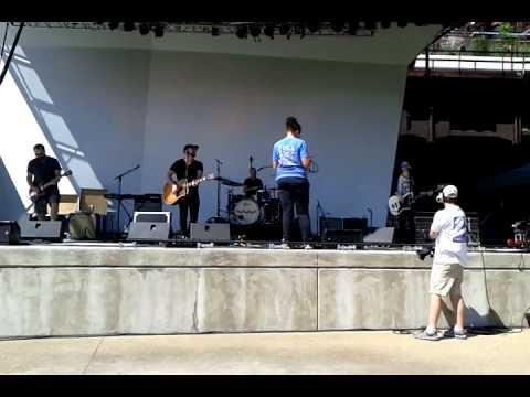 Kristian Bush soundcheck MusikFest PA 8/12/15