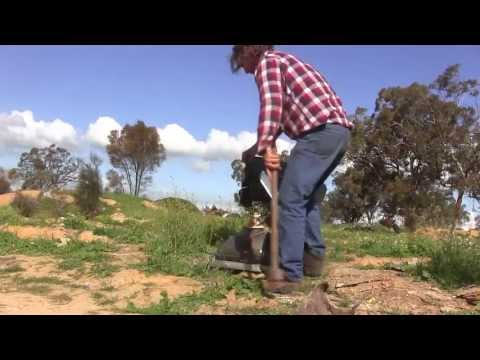 Scrapping Adventure  - Bottle Hunting - Aussie Animals - Some Nice Bush Tucker