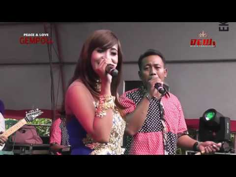 AMELIA / CAMELIA 2016 DINDING KACA  - Selly Feat Marlin (HD)