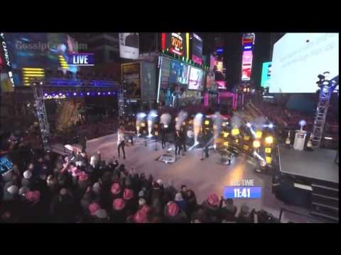 Taylor swift performing On Dick Clark's New Year's...