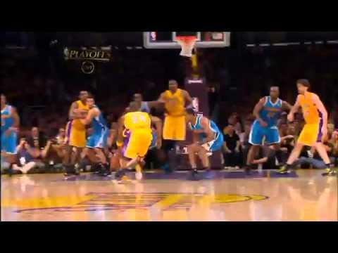 Kobe Bryant Dunk on Emeka Okafor HD)