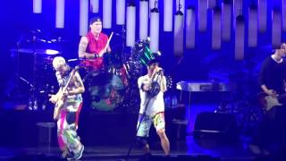 Intro Jam / Can't Stop - Red Hot Chili Peppers live @ Unipol Arena