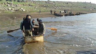 بعد جفاف عام ونصف، مياه الأمطار تملأ سد درعا بعد إصلاح المجرات المائية فيه