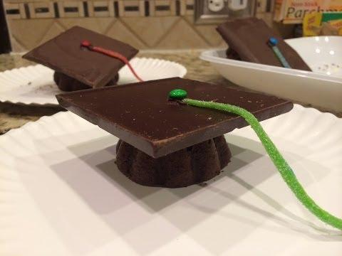 Mini Graduation Caps Cakes