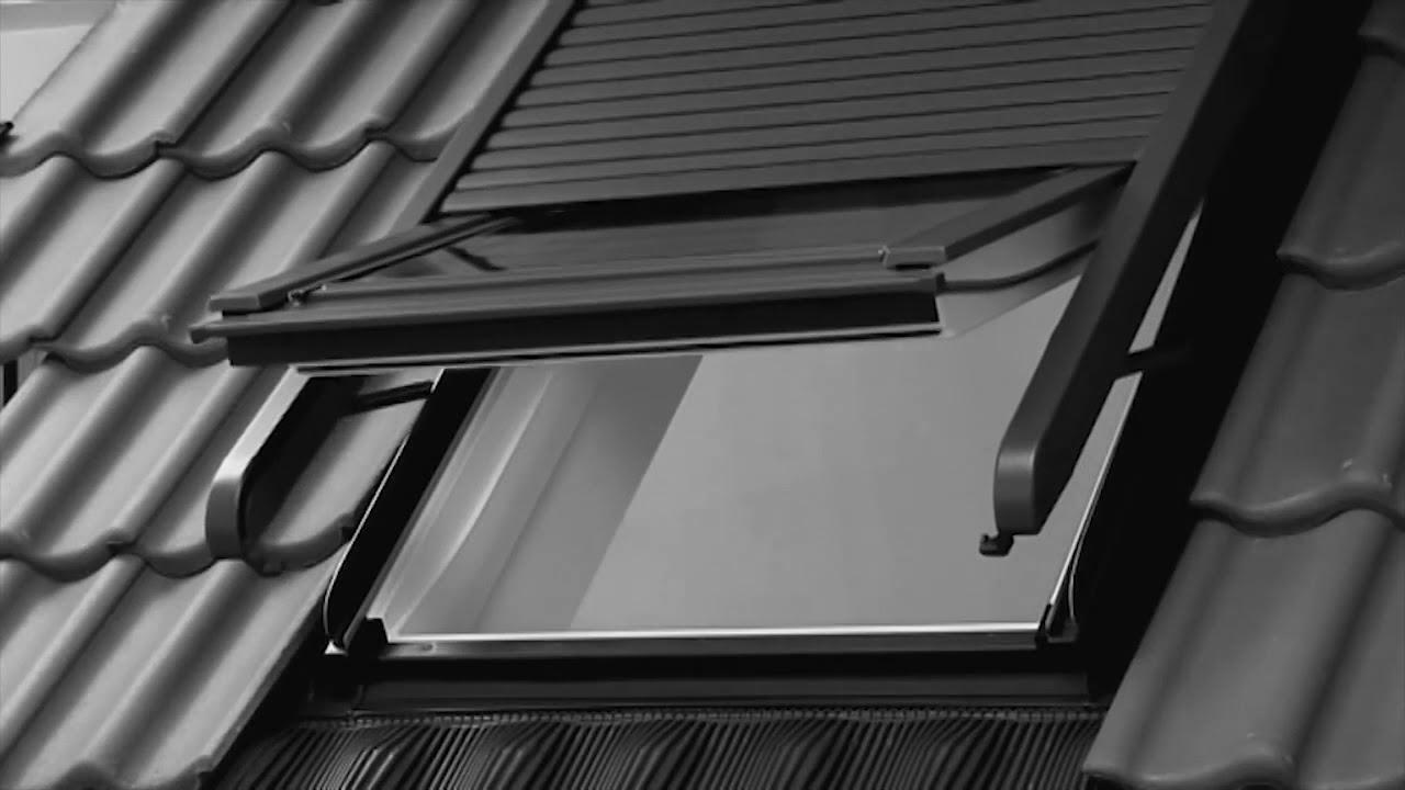Volet de toit great volet roulant nergie solaire ssl pour fentres de toit velux x cm ssl uk s - Comment ouvrir un velux electrique manuellement ...