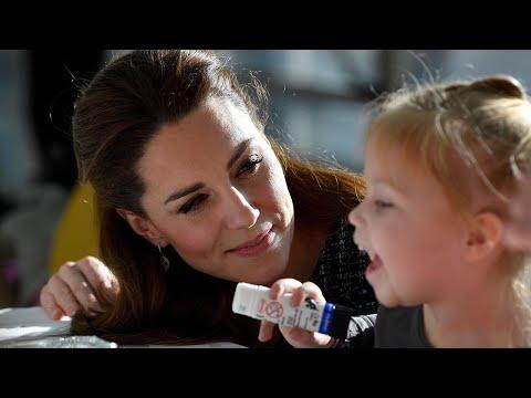 Duchess of Cambridge delights patients at children's hospital