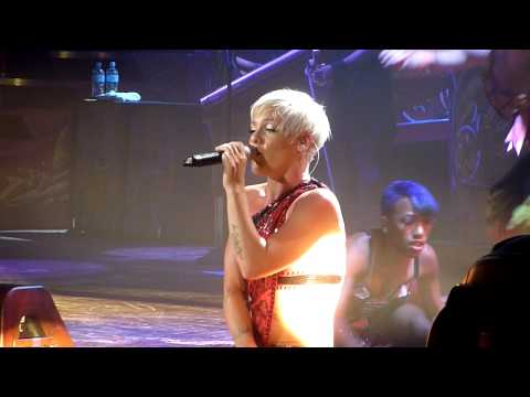 P!nk in Melbourne, July 15, 2009 - It's All Your Fault